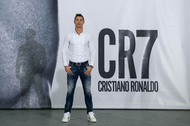 Hi-res-186436115-cristiano-ronaldo-poses-in-front-of-a-19m-high_crop_650
