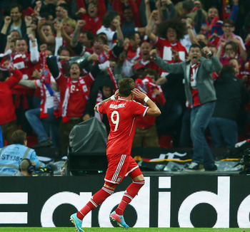 Hi-res-169799971-mario-mandzukic-of-bayern-muenchen-celebrates-during_display_image