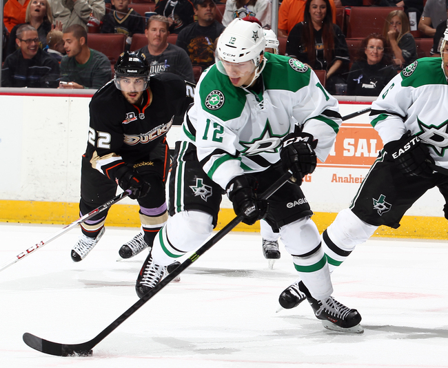 Hi-res-186552817-alex-chiasson-of-the-dallas-stars-handles-the-puck_crop_650