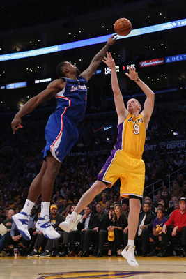 Hi-res-186259868-deandre-jordan-of-the-los-angeles-clippers-blocks-the_display_image