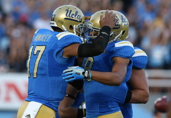 Hi-res-186657480-quarterback-brett-hundley-of-the-ucla-bruins-celebrates_display_image