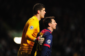 Hi-res-155715575-celtic-goalkeeper-fraser-forster-consoles-barcelona_display_image