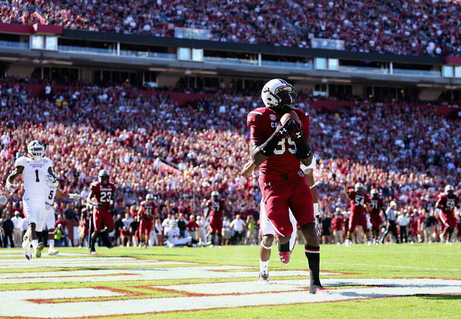 Hi-res-186640289-jerell-adams-of-the-south-carolina-gamecocks-catches-a_crop_650