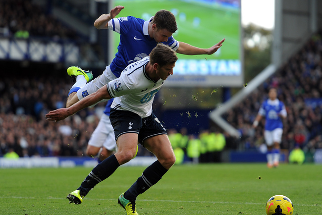 Hi-res-186698884-seamus-coleman-of-everton-in-action-with-jan-vertonghen_crop_650