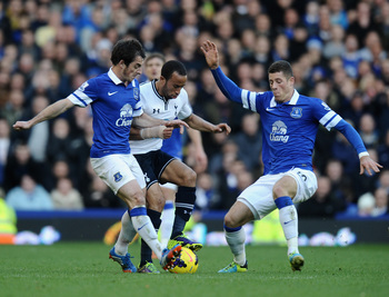 Baines and Barkley combine to stop Townsend.