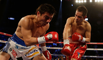 Hi-res-158410318-nonito-donaire-of-the-philippines-hits-jorge-arce-of_display_image