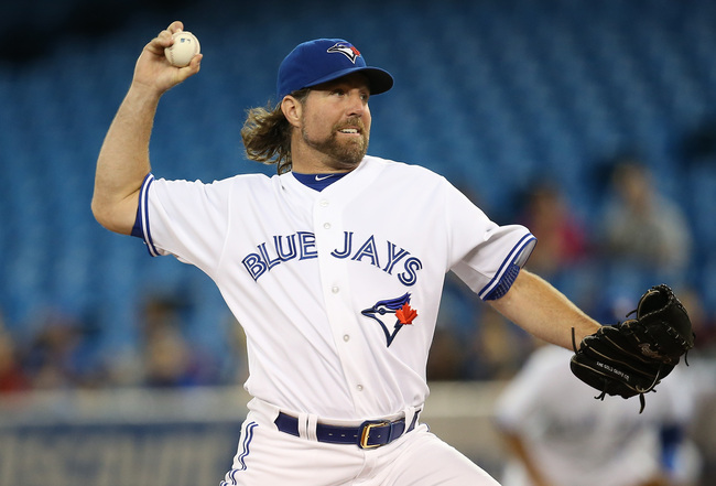 Hi-res-182049795-dickey-of-the-toronto-blue-jays-delivers-a-pitch-in-the_crop_650