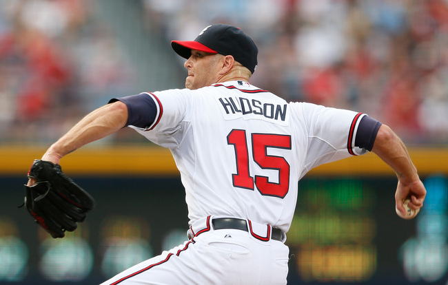 Hi-res-173319076-tim-hudson-of-the-atlanta-braves-pitches-in-the-first_crop_650