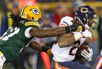 Hi-res-186906662-jamari-lattimore-of-the-green-bay-packers-tries-to-grab_display_image