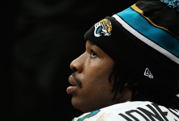 Hi-res-451758677-maurice-jones-drew-of-the-jacksonville-jaguars-waits-on_display_image