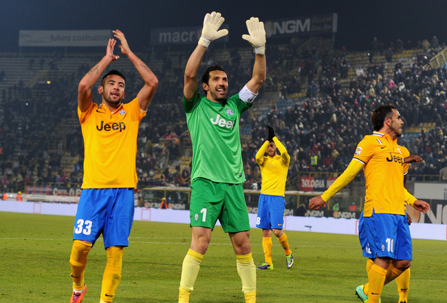 http://cdn.bleacherreport.net/images_root/slides/photos/003/467/801/hi-res-454028537-gianluigi-buffon-of-juventus-fc-celebrates-victory-at_crop_650x440.jpg?1386971109