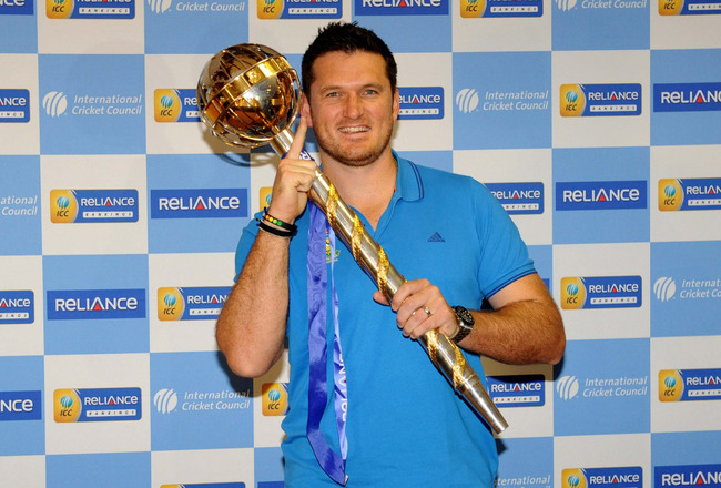 Hi-res-164775249-graeme-smith-of-south-africa-poses-with-the-mace-during_crop_650x440