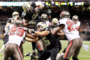 Hi-res-459736177-pierre-thomas-of-the-new-orleans-saints-scores-a_display_image