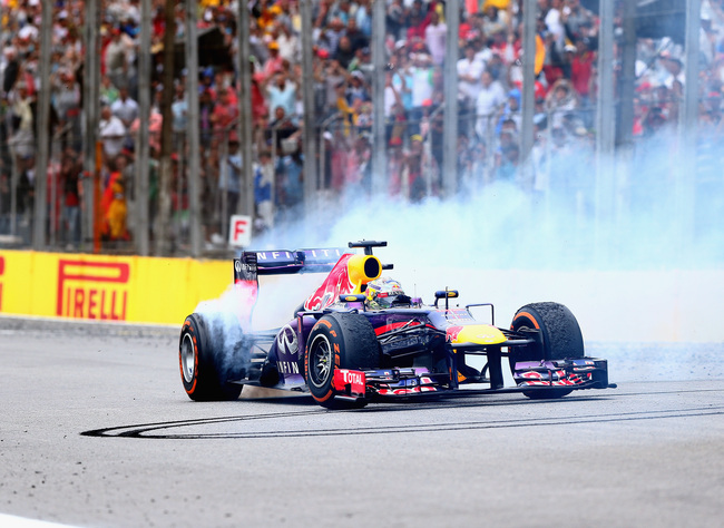 Hi-res-451770039-sebastian-vettel-of-germany-and-infiniti-red-bull_crop_650