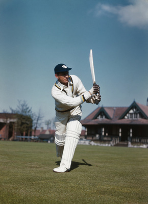 Hi-res-71885466-english-cricketer-and-right-handed-batsman-len-hutton_display_image