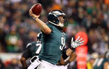 Hi-res-460656269-nick-foles-of-the-philadelphia-eagles-looks-to-throw-a_display_image