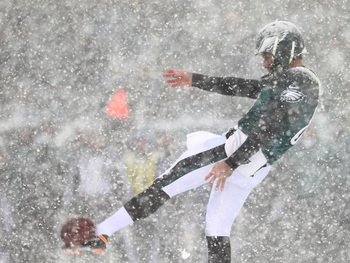 Hi-res-454298043-donnie-jones-of-the-philadelphia-eagles-punts-the-ball_display_image