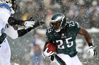 Hi-res-454303541-lesean-mccoy-of-the-philadelphia-eagles-carries-the_display_image