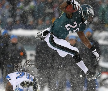 Hi-res-454327765-running-back-lesean-mccoy-of-the-philadelphia-eagles_display_image