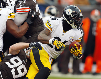 Hi-res-451769993-running-back-leveon-bell-of-the-pittsburgh-steelers_display_image