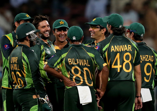 Hi-res-457684973-shahid-afridi-shares-a-light-moment-with-teamates-on_crop_650