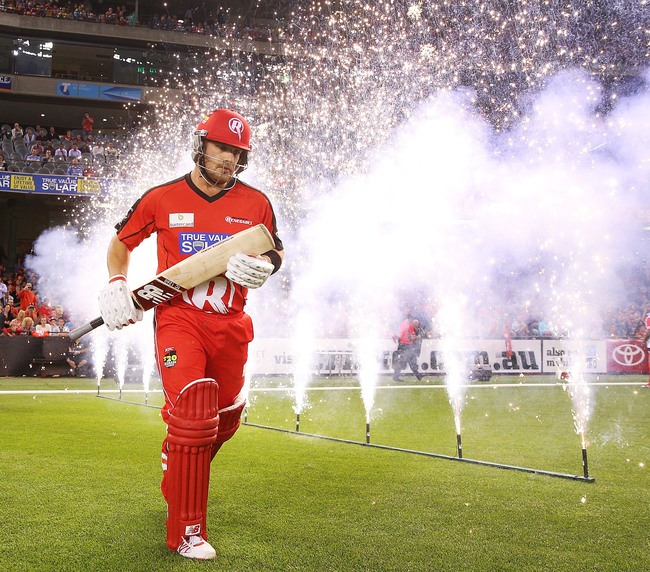 Hi-res-460481153-aaron-finch-of-the-renegades-runs-out-to-the-pitch_crop_650