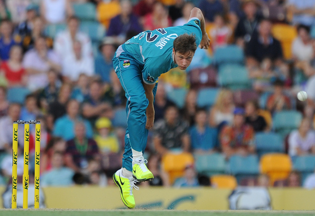 Hi-res-458835927-cameron-gannon-of-the-heat-bowls-during-the-big-bash_crop_650