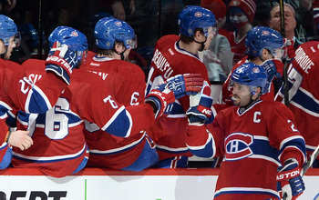 The Canadiens celebrate a goal.