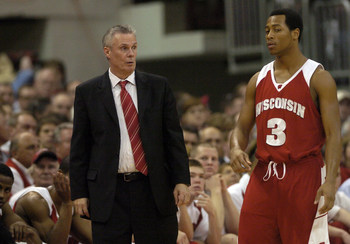 25 FEBRUARY 2007: University of Wisconsin head coach Bo Ryan (L) and Trevon Hughes (3) against Ohio State University in Columbus, Ohio, February 25, 2007.