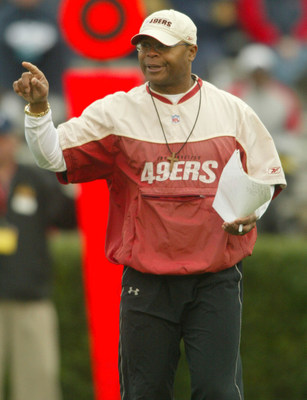 23 JANUARY 2007: Hall of Fame Chicago Bear Linebacker Coach Mike Singletary of the San Francisco 49ers during the second practice for the south squad at Ladd-Peebles Stadium in Mobile, Alabama.