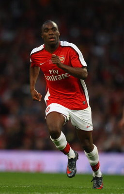 LONDON, ENGLAND - MAY 22:  Giles Sunu of Arsenal in action during the FA Youth Cup Final 1st Leg match between Arsenal and Liverpool at The Emirates Stadium on May 22, 2009 in London, England.  (Photo by Julian Finney/Getty Images)