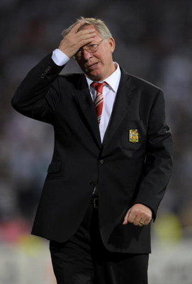 ISTANBUL, TURKEY - SEPTEMBER 15:  Sir Alex Ferguson the Manchester United manager looks on before the UEFA Champions League Group B match between Besiktas and Manchester United at the Inonu Stadium on September 15, 2009 in Istanbul, Turkey.  (Photo by Sha