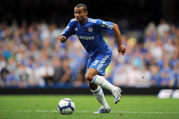 LONDON, ENGLAND - SEPTEMBER 20: Ashley Cole of Chelsea in action during the Barclays Premier League match between Chelsea and Tottenham Hotspur at Stamford Bridge on September 20, 2009 in London, England.  (Photo by Shaun Botterill/Getty Images)