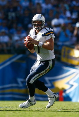 SAN DIEGO , CA - SEPTEMBER 20:  Quarterback Philip Rivers #17 of the San Diego Chargers looks down field for an open receiver against the Baltimore Ravens in the fourth quarter at Qualcomm Stadium on September 20, 2009 in San Diego, California. The Ravens