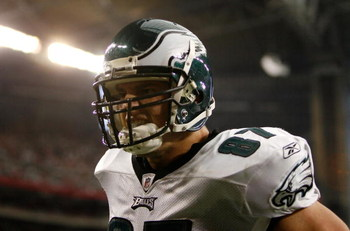 GLENDALE, AZ - JANUARY 18:  Tight end Brent Celek #87 of the Philadelphia Eagles celebrates a touchdown catch in the third quarter of the NFC championship game against the Arizona Cardinals on January 18, 2009 at University of Phoenix Stadium in Glendale,