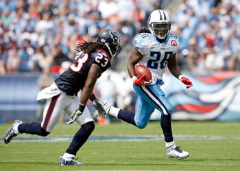 NASHVILLE, TN - SEPTEMBER 20:  Chris Johnson #28 of the Tennessee Titans runs with the ball during the NFL game against the Houston Texans at LP Field on September 20, 2009 in Nashville, Tennessee.  The Texans won 34-31.  (Photo by Andy Lyons/Getty Images