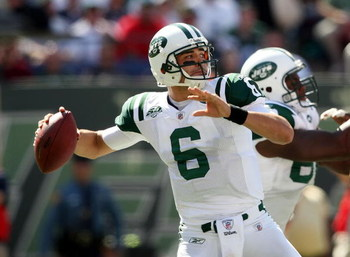 EAST RUTHERFORD, NJ - SEPTEMBER 20:  Mark Sanchez #6 of the New York Jets throws a pass against the New England Patriots at Giants Stadium on September 20, 2009 in East Rutherford, New Jersey.  (Photo by Nick Laham/Getty Images)