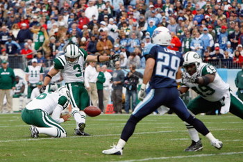 NASHVILLE, TN - NOVEMBER 23:  Jay Feely #3 of the New York Jets kicks a field goal during the game against the Tennessee Titans at LP Field on November 23, 2008 in Nashville, Tennessee. (Photo by Kevin C. Cox/Getty Images)