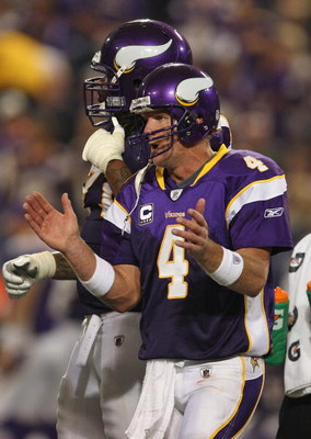 MINNEAPOLIS - SEPTEMBER 27: Brett Favre #4 of the Minnesota Vikings encourages his teammates in the huddle during the 4th quarter against the San Francisco 49ers at the Hubert H. Humphrey Metrodome on September 27, 2009 in Minneapolis, Minnesota. The Viki