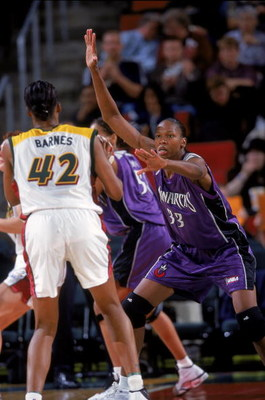 15 Jun 2000:  Yolanda Griffith #33 of the Sacramento Monarchs guards Quancy Barnes #42 of the Seattle Storm at Key Arena in Seattle, Washington.  The Monarchs defeated the Storm 54-50. NOTE TO USER: It is expressly understood that the only rights Allsport