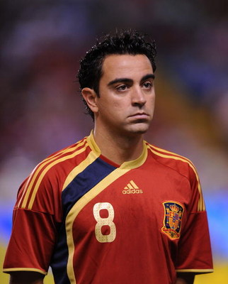 LA CORUNA, SPAIN - SEPTEMBER 05:  Xavi Hernandez of Spain lines-up before the Group 5 FIFA2010 World Cup Qualifier match between Spain and Belgium at the Riazor stadium on September 5, 2009 in La Coruna, Spain.  (Photo by Denis Doyle/Getty Images)