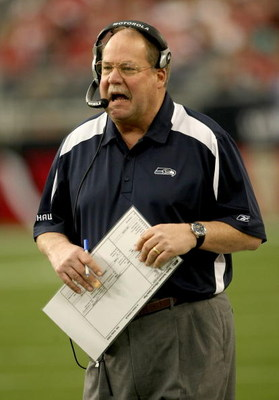 GLENDALE, AZ - DECEMBER 28:  Head coach Mike Holmgren of the Seattle Seahawks shouts during the game with the Arizona Cardinals on December 28, 2008 at University of Phoenix Stadium in Glendale, Arizona.  The Cardinals won 34-21.  (Photo by Stephen Dunn/G