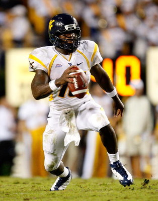 AUBURN, AL - SEPTEMBER 19:  Quarterback Jarrett Brown #16 against the West Virginia Mountaineers against the Auburn Tigers at Jordan-Hare Stadium on September 19, 2009 in Auburn, Alabama.  (Photo by Kevin C. Cox/Getty Images)