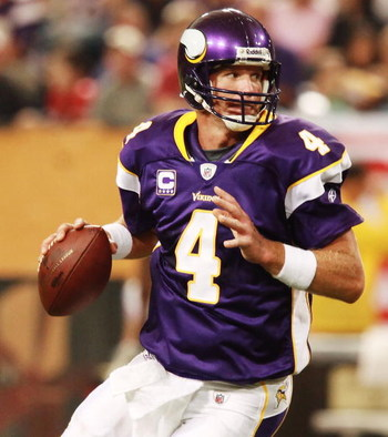 MINNEAPOLIS, MN - SEPTEMBER 27:  Quarterback Brett Favre #4 of the Minnesota Vikings prepares to throw the ball during the game against the San Francisco 49ers at Hubert H. Humphrey Metrodome on September 27, 2009 in Minneapolis, Minnesota. The Vikings de
