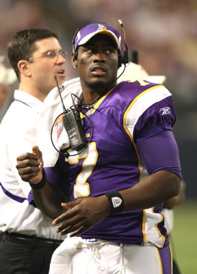 MINNEAPOLIS - SEPTEMBER 21:  Quarterback Tarvaris Jackson #7 of the Minnesota Vikings was on the sidelines during the game against the Carolina Panthers at the HH Humphrey Metrodome on September 21, 2008 in Minneapolis, Minnesota.  The Vikings defeated th