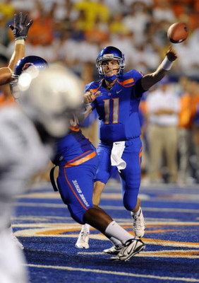 BOISE, ID - SEPTEMBER 3:  Kellen Moore #11 of Boise State throws a pass against the Oregon Ducks in first quarter of the game on September 3, 2009 at Broncos Stadium in Boise, Idaho. (Photo by Steve Dykes/Getty Images)