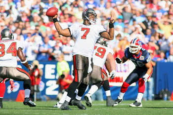 ORCHARD PARK, NY - SEPTEMBER 20:  Quarterback Byron Leftwich #7 of the Tampa Bay Buccaneers looks to pass the ball during the game against the Buffalo Bills at Ralph Wilson Stadium on September 20, 2009 in Orchard Park, New York.  The Bills won 33-20.  (P