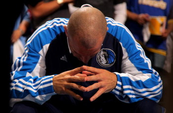 DENVER - MAY 05:  Jason Kidd #2 of the Dallas Mavericks pauses during warm ups prior to facing the Denver Nuggets in Game Two of the Western Conference Semifinals during the 2009 NBA Playoffs at Pepsi Center on May 5, 2009 in Denver, Colorado. The Nuggets