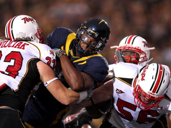 BERKELEY, CA - SEPTEMBER 05:  Jahvid Best #4 of the California Golden Bears scores his second touchdown that gave the Beasr a 13-0 lead over the Maryland Terrapins at California Memorial Stadium on September 5, 2009 in Berkeley, California.  (Photo by Ezr