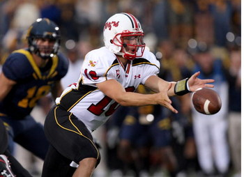 BERKELEY, CA - SEPTEMBER 05:  Chris Turner #10 of the Maryland Terrapins pitches the ball during their game against the California Golden Bears at California Memorial Stadium on September 5, 2009 in Berkeley, California.  (Photo by Ezra Shaw/Getty Images)